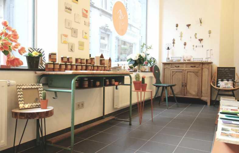 boutique, pop up, éphémère, shop, liège, belgique, belgium, wallonie, cadeaux, consommer, durable, équitable, cartes, carnets, décoration, produits beautés