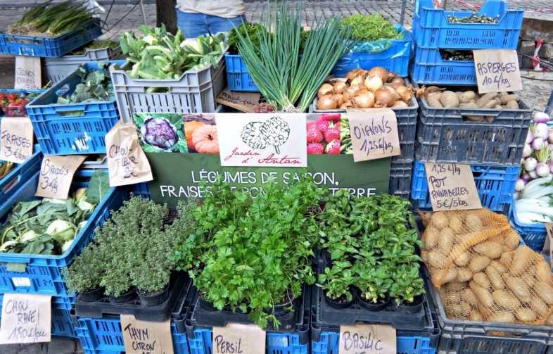Liège,marché local,événement liège,produit terroir, plein air,terrasse,journée,produits locaux,local,légumes,
